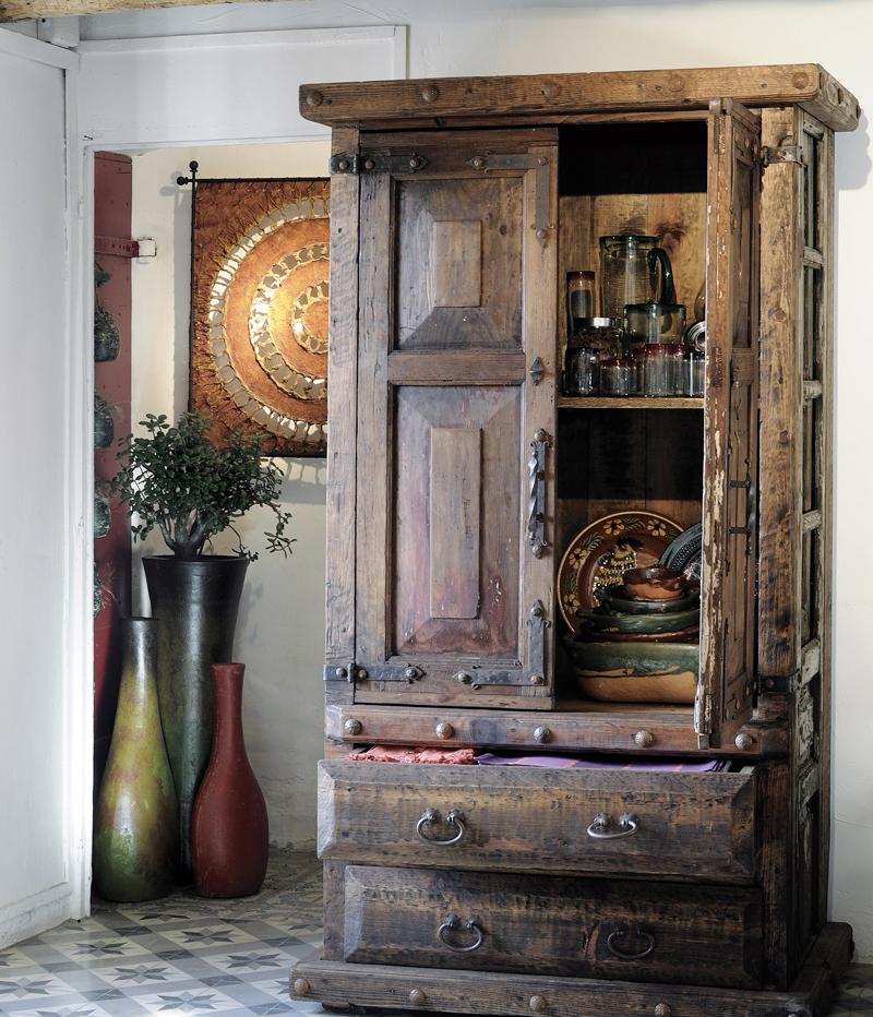 Mobilier mexicain le charme de l authenticit les for Vieux meubles restaures