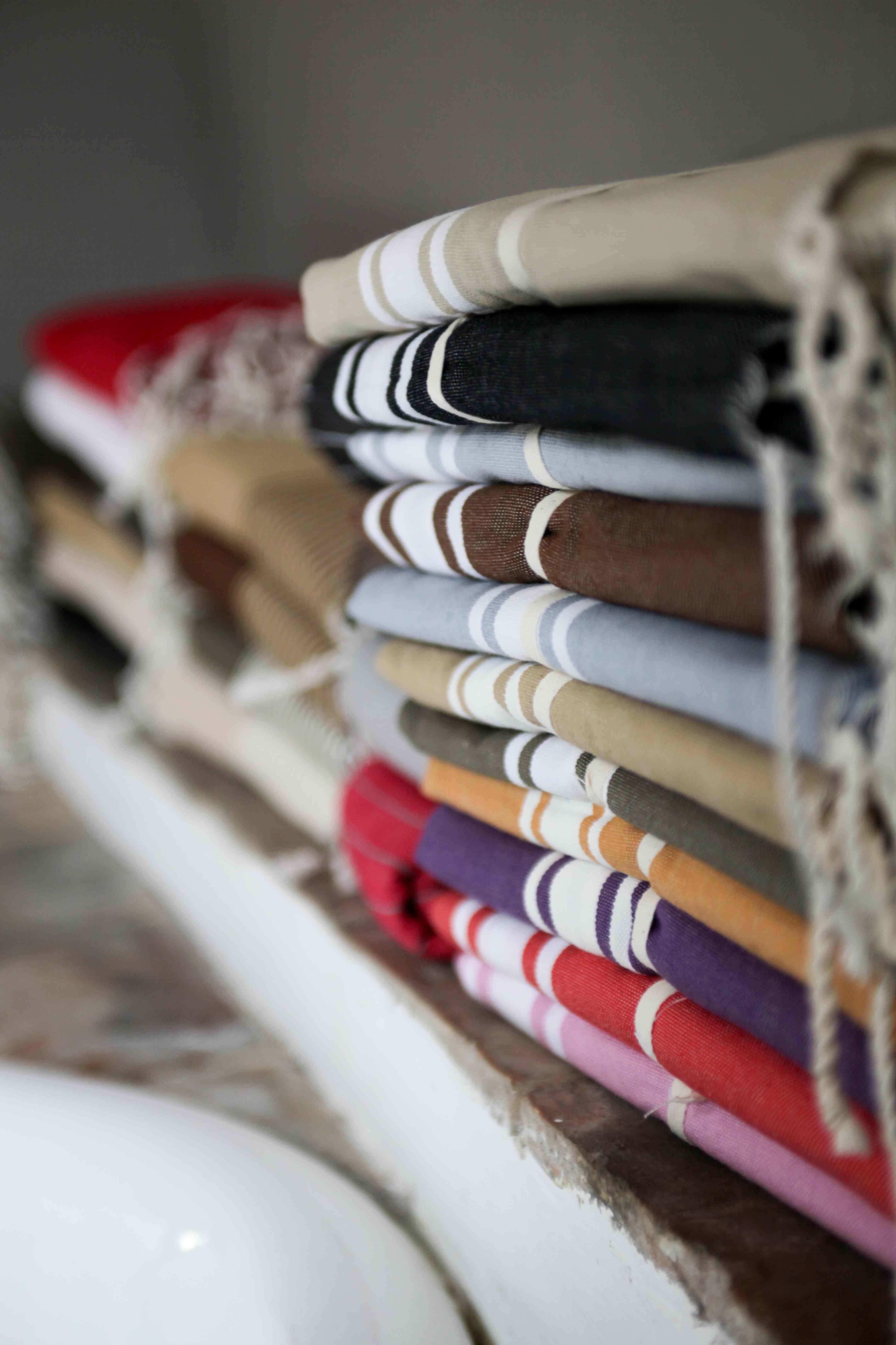 15b9bf5897148 ... la boutique Zandaraa développe au fil des saisons une gamme  d'accessoires bain, déco et bébé, en associant le coton authentique et  naturel des foutas ...