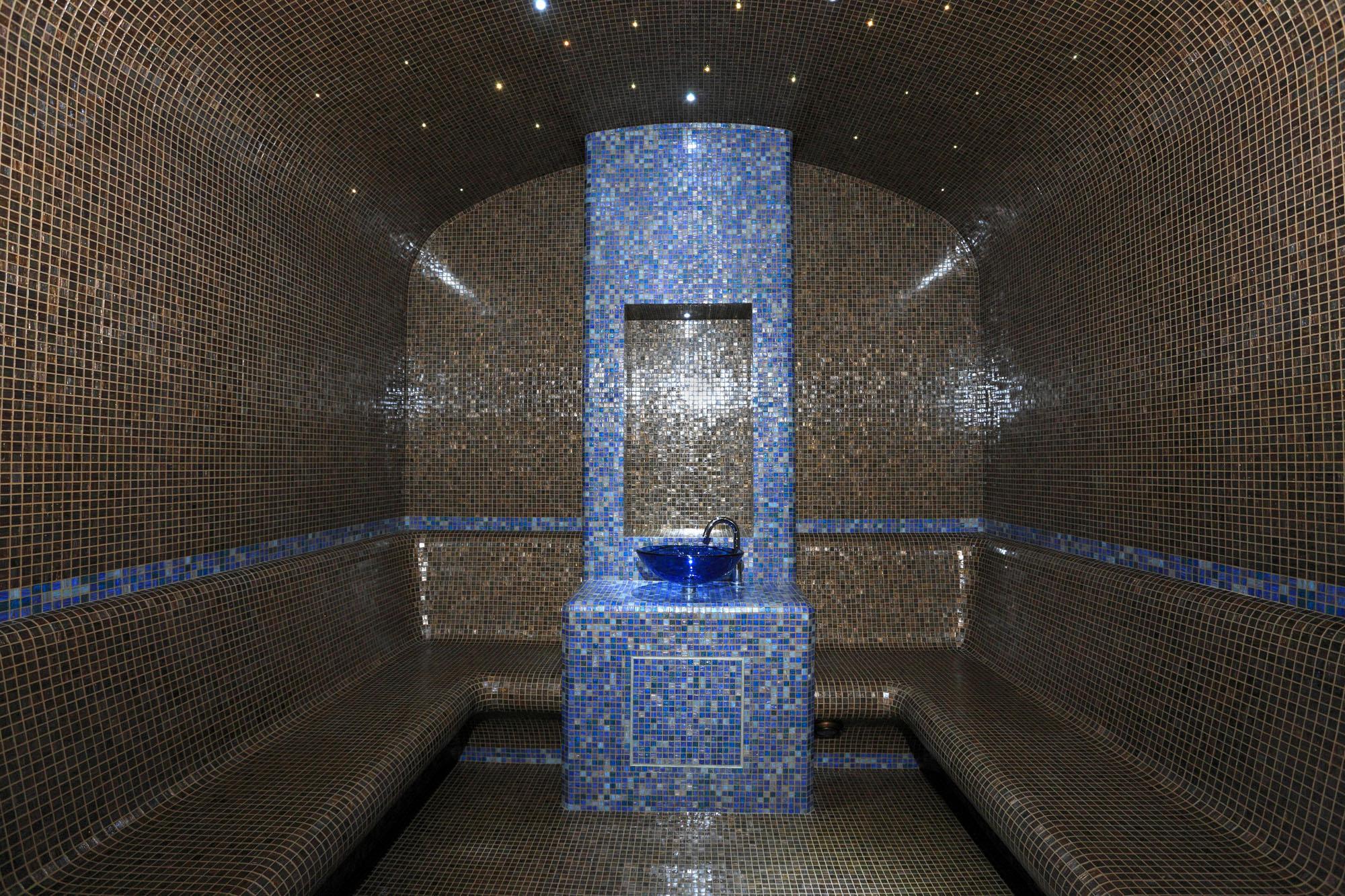 Cyril grenet un artisan mosa ste relations publiques pro for Salle de bain hammam