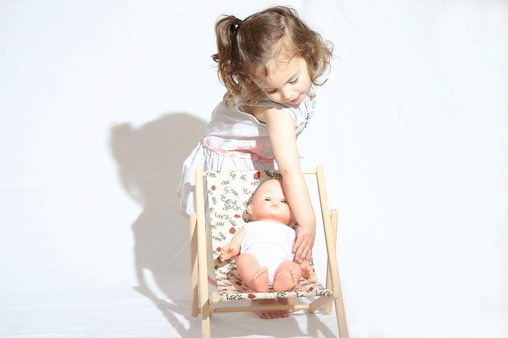 petite fille + poupee2