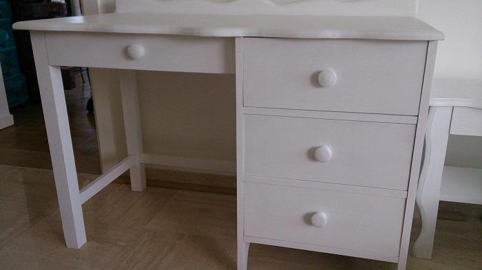 bureau en hêtre avec laque blanche écologique couleurs bois