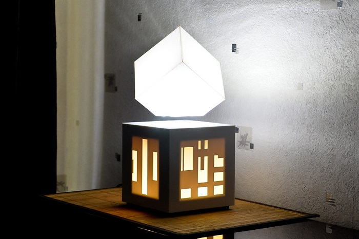 lampe-design-enceinte-bluetooth-blanche-soundkub