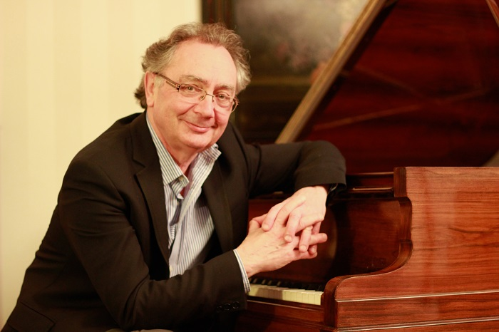 Le pianiste Alain Raës