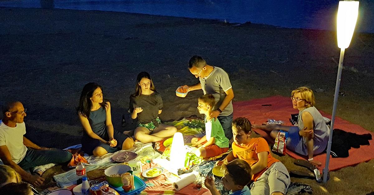1 Pique niquer aussi le soir - eclairage exterieur sans fil rechargeable nomade Paranocta