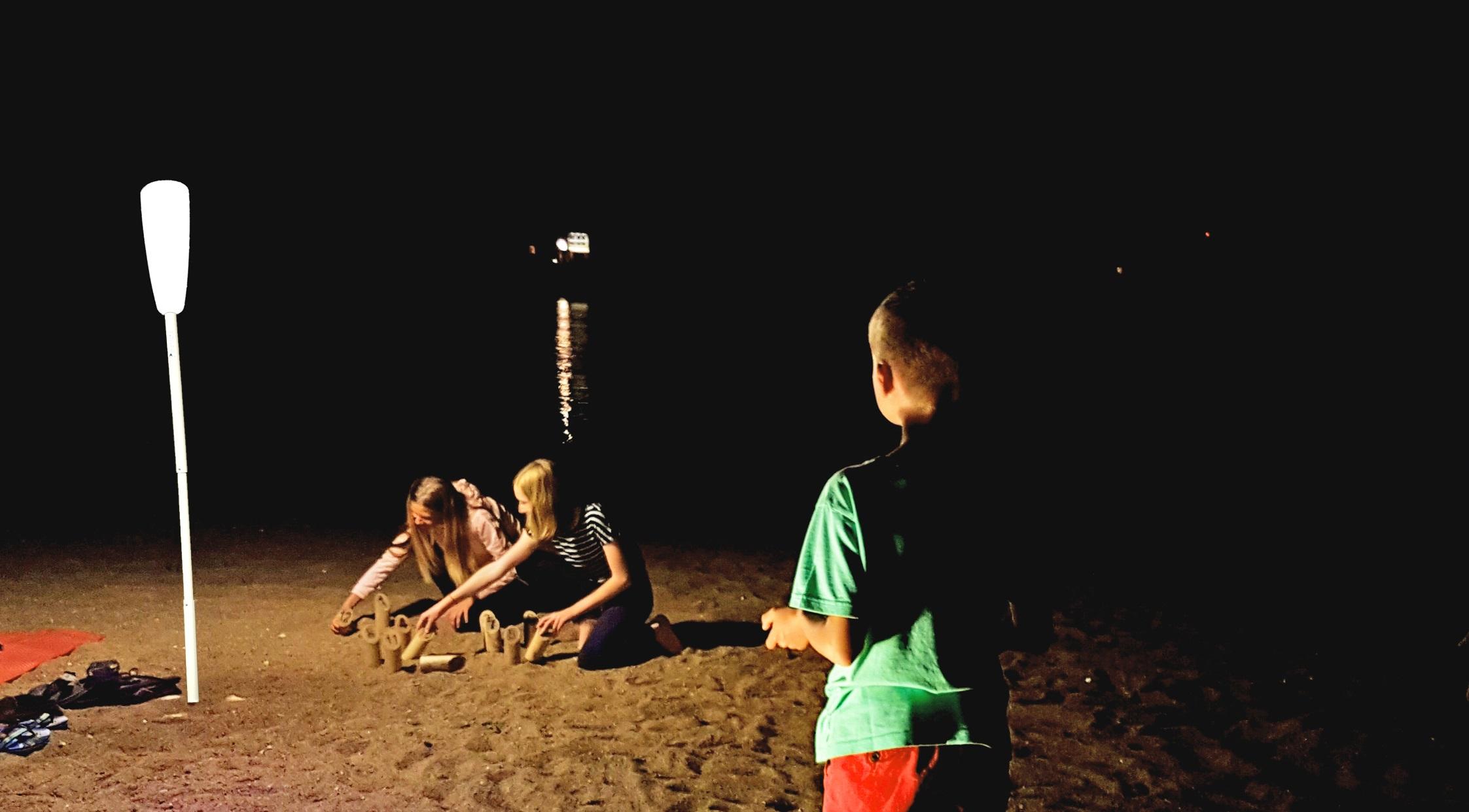 12 Profiter de la plage... tard - eclairage exterieur sans fil rechargeable nomade Paranocta