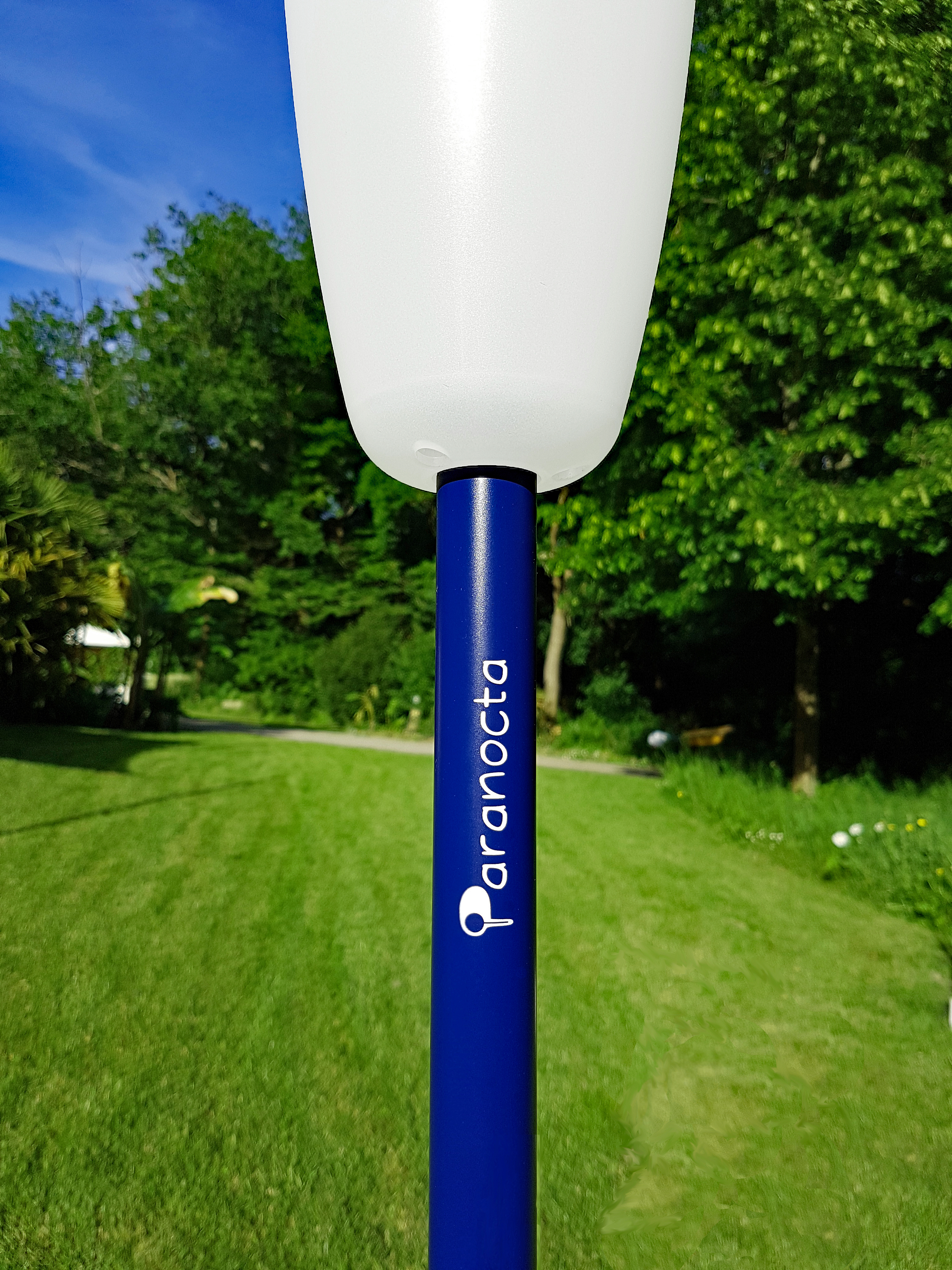 8 lampadaire bleu Paranocta