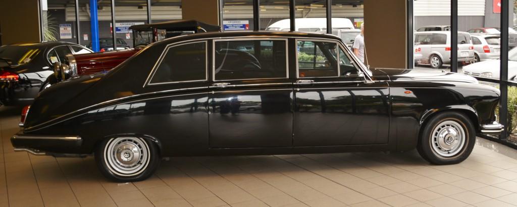 1988_Daimler_DS420_Limousine_(14083828351)