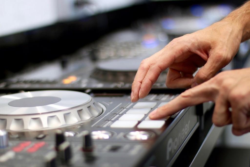 ECOLE-DJ-NETWORK-33-1024x683