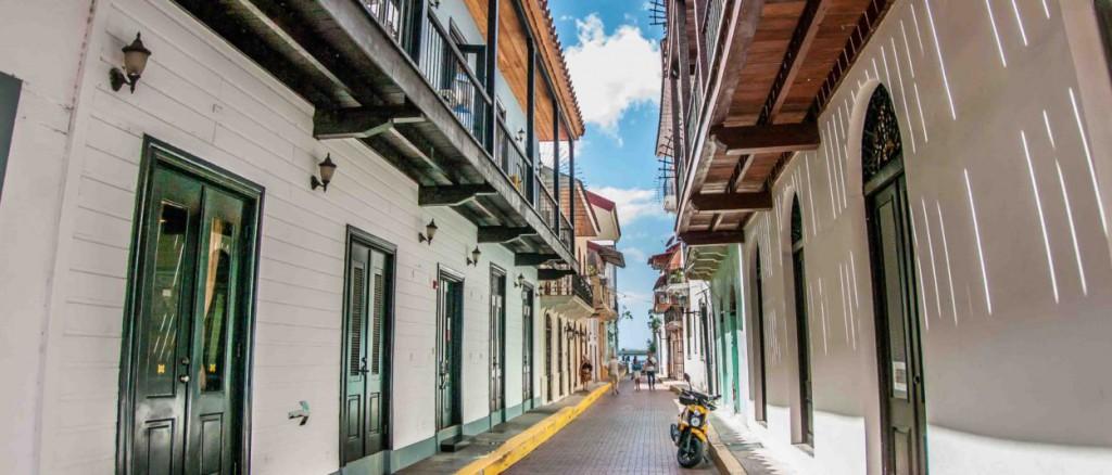 Slide_3_Panama_Tierra_Latina