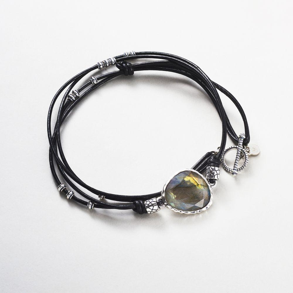 """9eae9f83c3d Mes-bijoux.fr rend le """"bijou effect"""" tendance et à petit prix ..."""