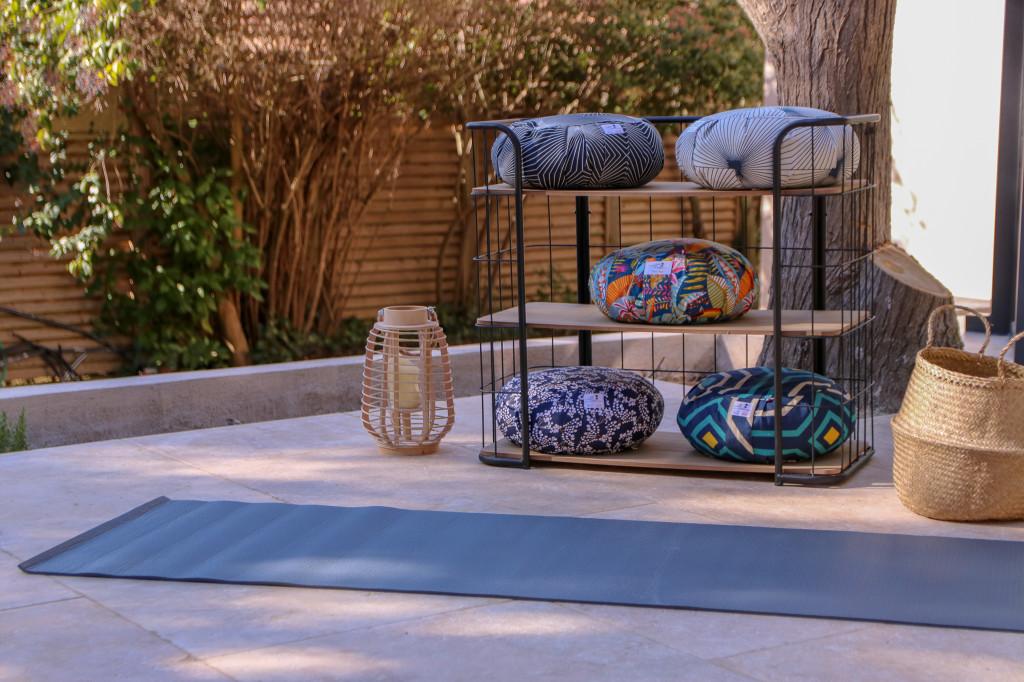 new products 0ef3c 26e18 ... Comme L air est donc en train de déployer une démarche commerciale  auprès de nombreux points de vente potentiels   du studio de yoga au  concept store en ...
