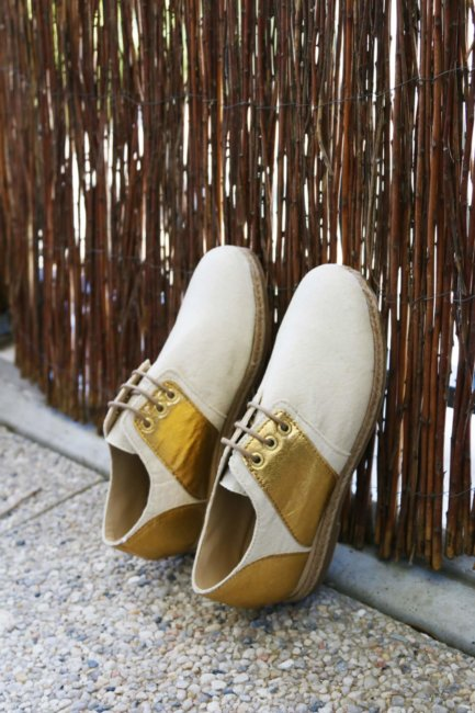 onatirel-chaussures-pinatex-ananas-derby-naturel-or-3-433x650