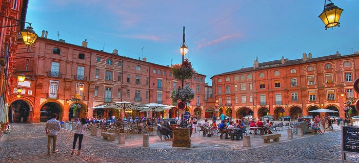place_nationale_square_montauban_aquitaine_leboat_glg