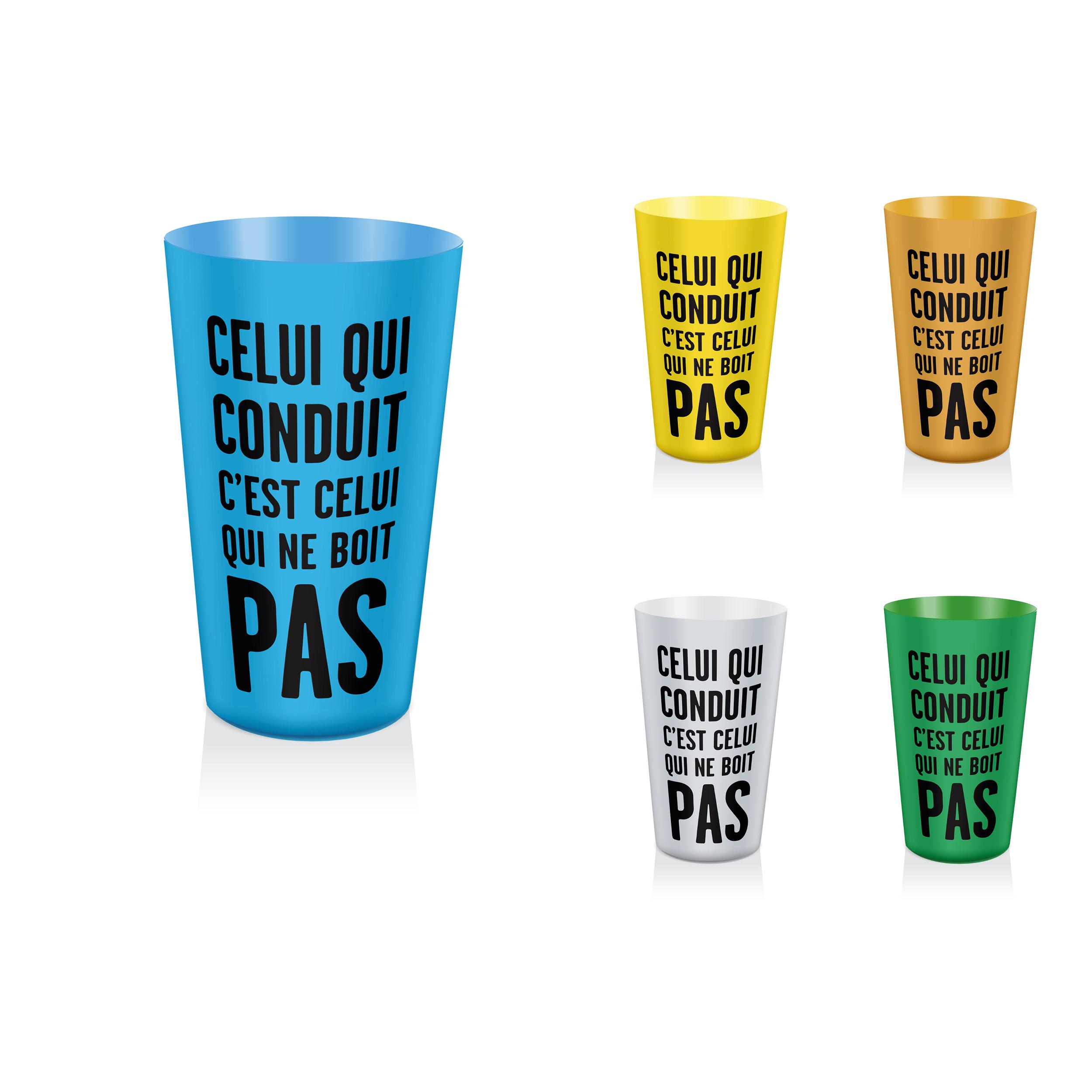 Faire Des Gobelets Personnalisés drivecase lance des gobelets doseurs d'alcool pour