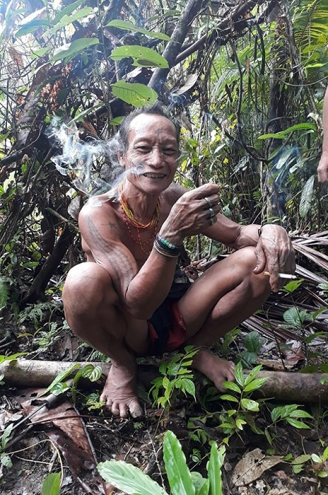 peuple-mentawai-sumatra-05-600x905