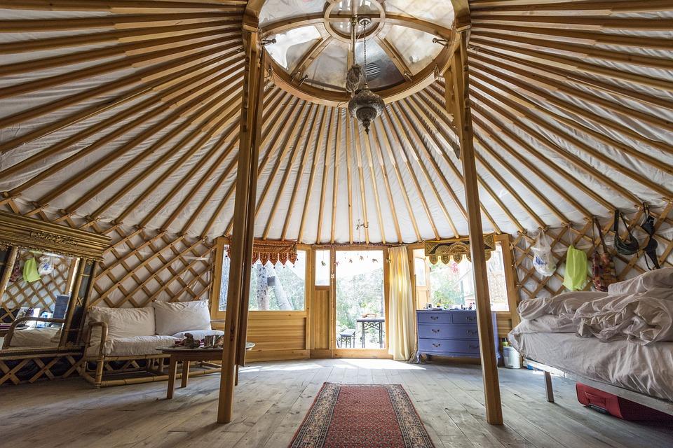 yurt-1441610_960_720
