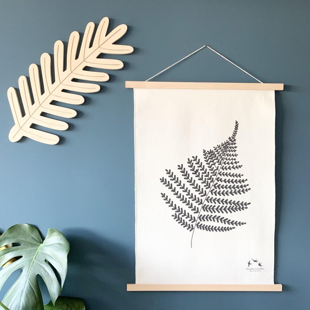 Déco-bois-Branche-de-pin-Affiche-Fougere-Les-petites-hirondelles (1)