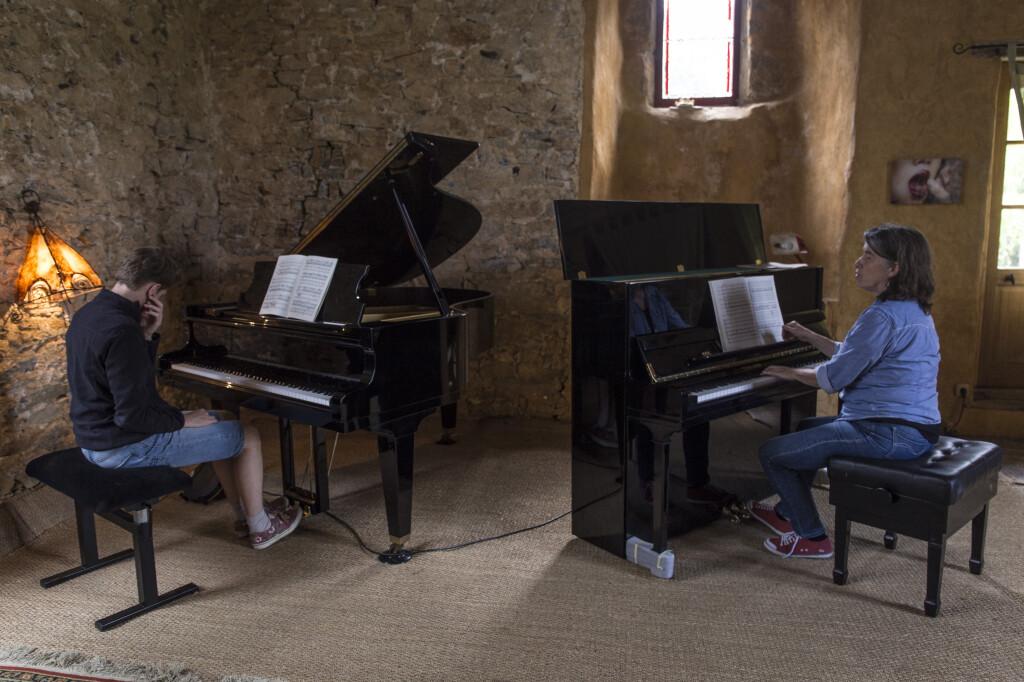 Travail à deux pianos