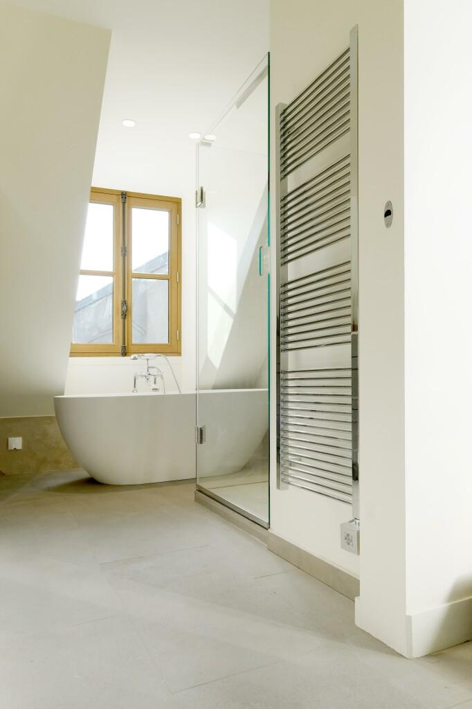 salle de bain en dallage bourguignon