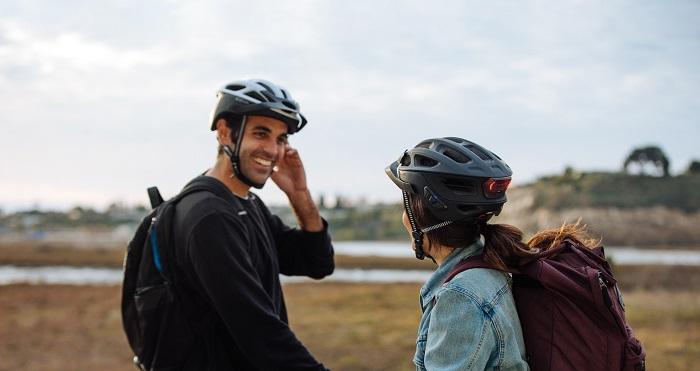 r1-evo-smart-cycling-helmet